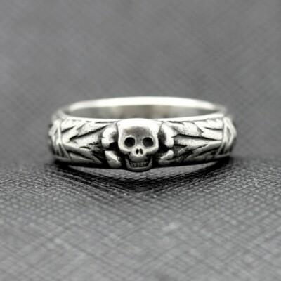 SS TOTENKOPF Ring waffen ss runas silver