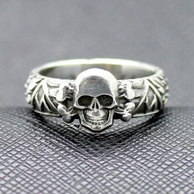 SS TOTENKOPF german Ring silver 1944