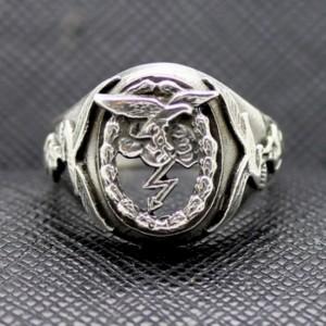 German ring luftwaffe eagle lightning