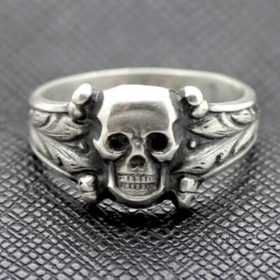 Death head siver ring