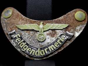 OLD FELDGENDARMERIE MILITARY POLICE GORGET